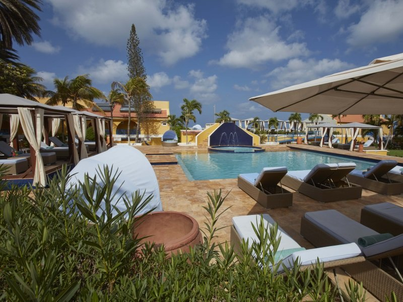 Bonaire_Divi_Flamingo_Beach_Resort_Casino_Pool_2_800x600