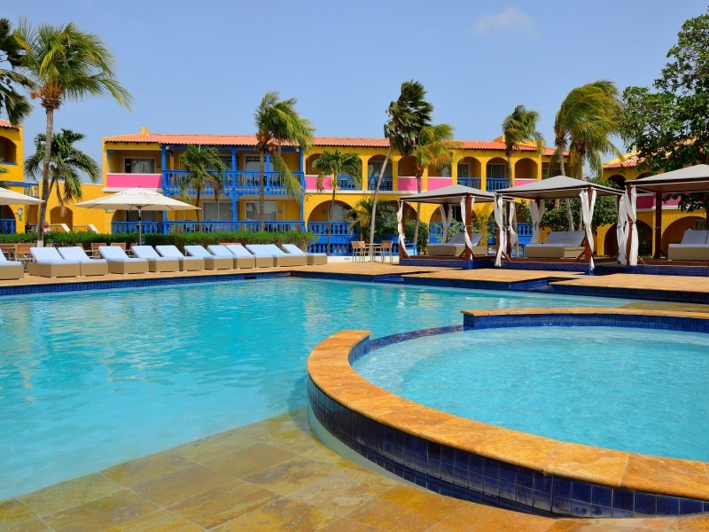 Bonaire_Divi_Flamingo_Beach_Resort_Casino_Pool_800x600