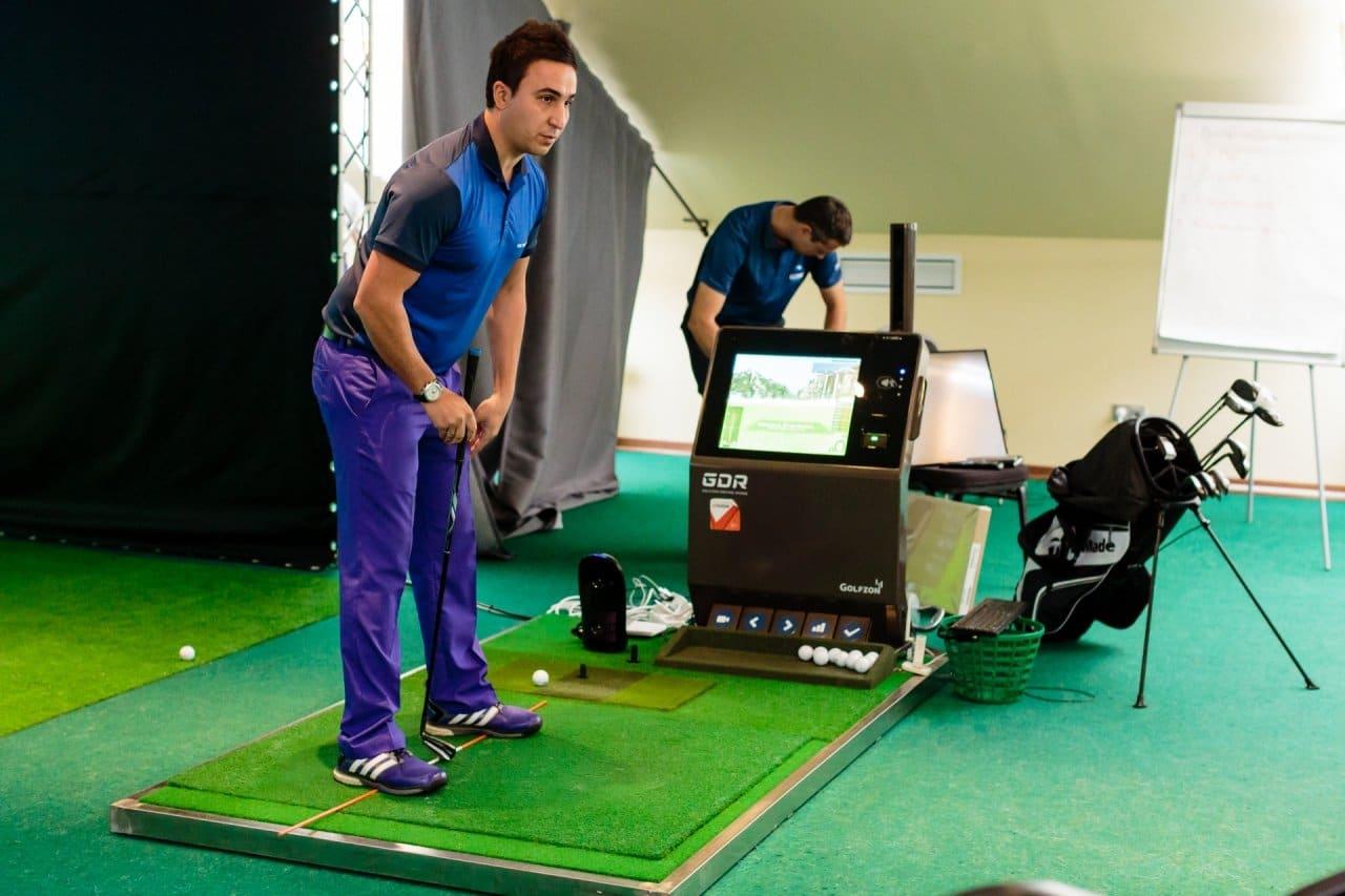Pietari-Gorki-Golf-Club-golf-simulaattori