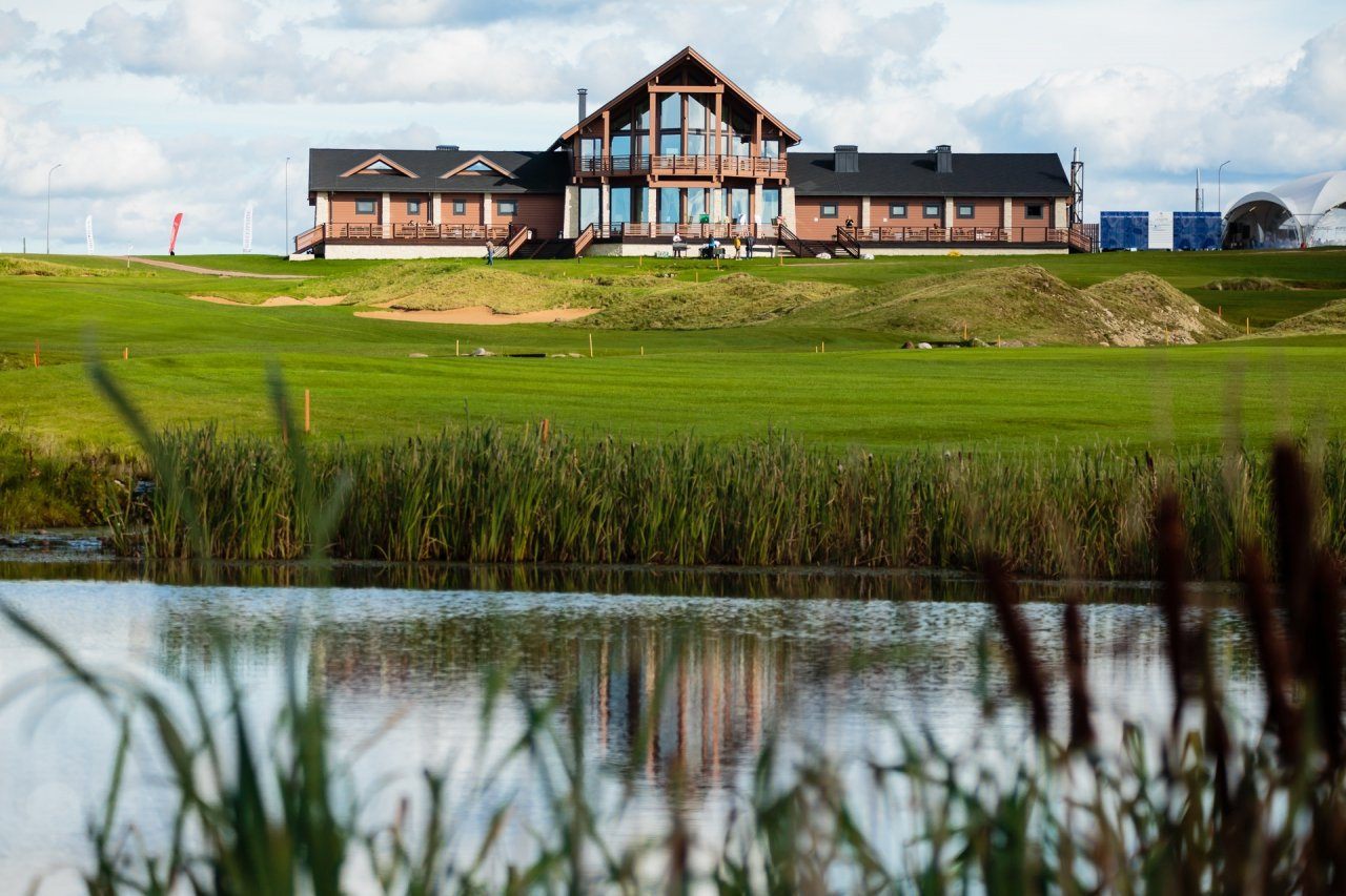 Pietari-Gorki-Golf-Club-paviljonki