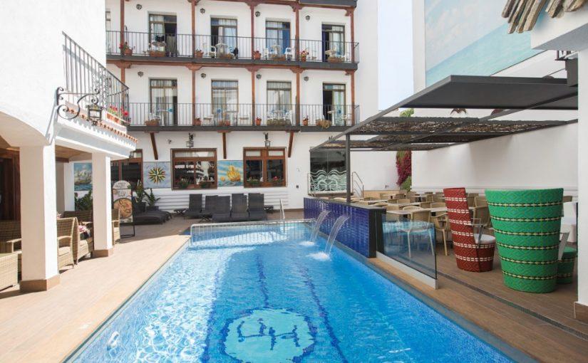 Espanja-Barcelona-htl-Neptun-ulkoaltaat2
