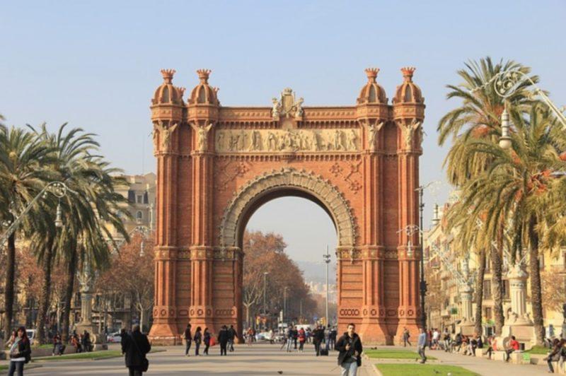Barcelona spain-1276209_640