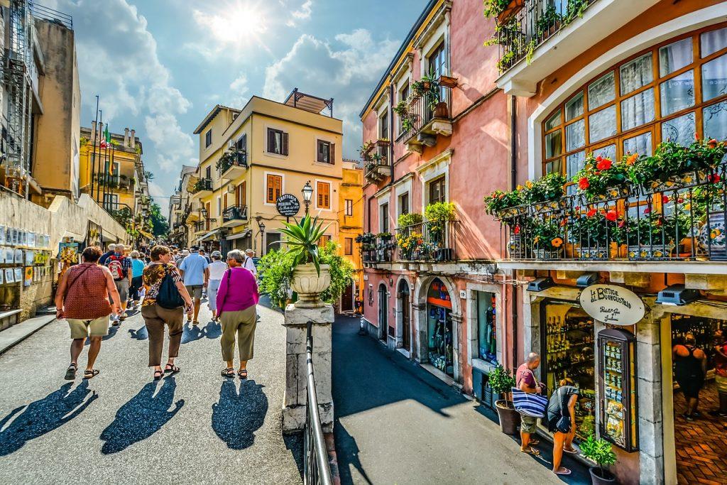 Italia-Sisilia-Taormina-frends-1280
