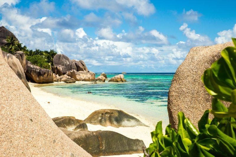 Seychellit La Diquen rantaviivaa