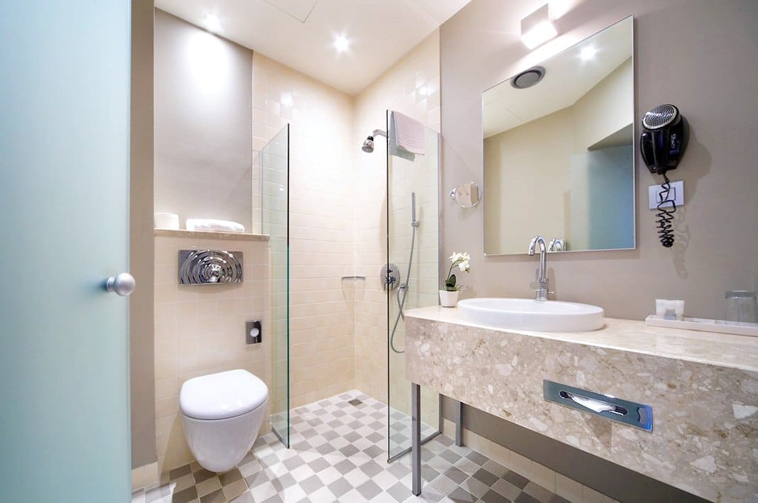 Latvia-Riika-Opera-spa-htl-junior_suite_bathroom_