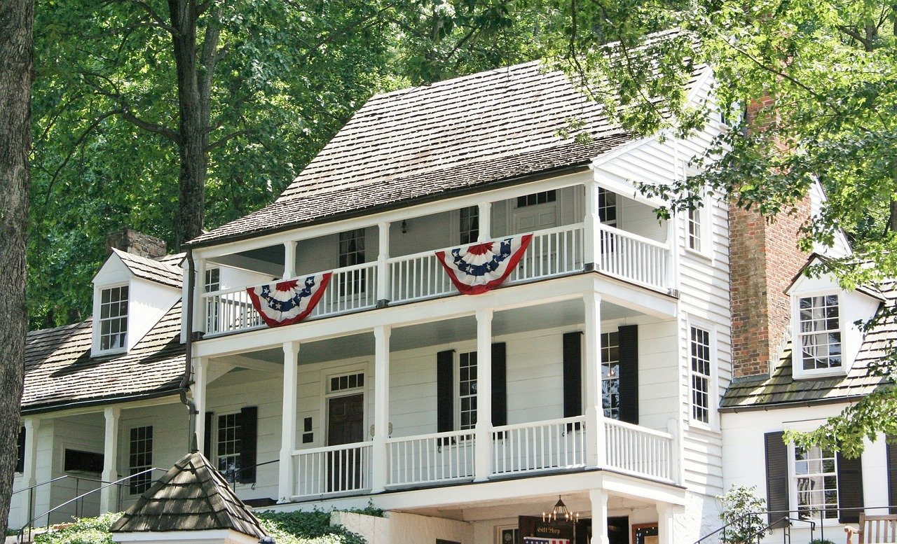 USA-Charlottesville-Virginia-tavern-colonial-1280