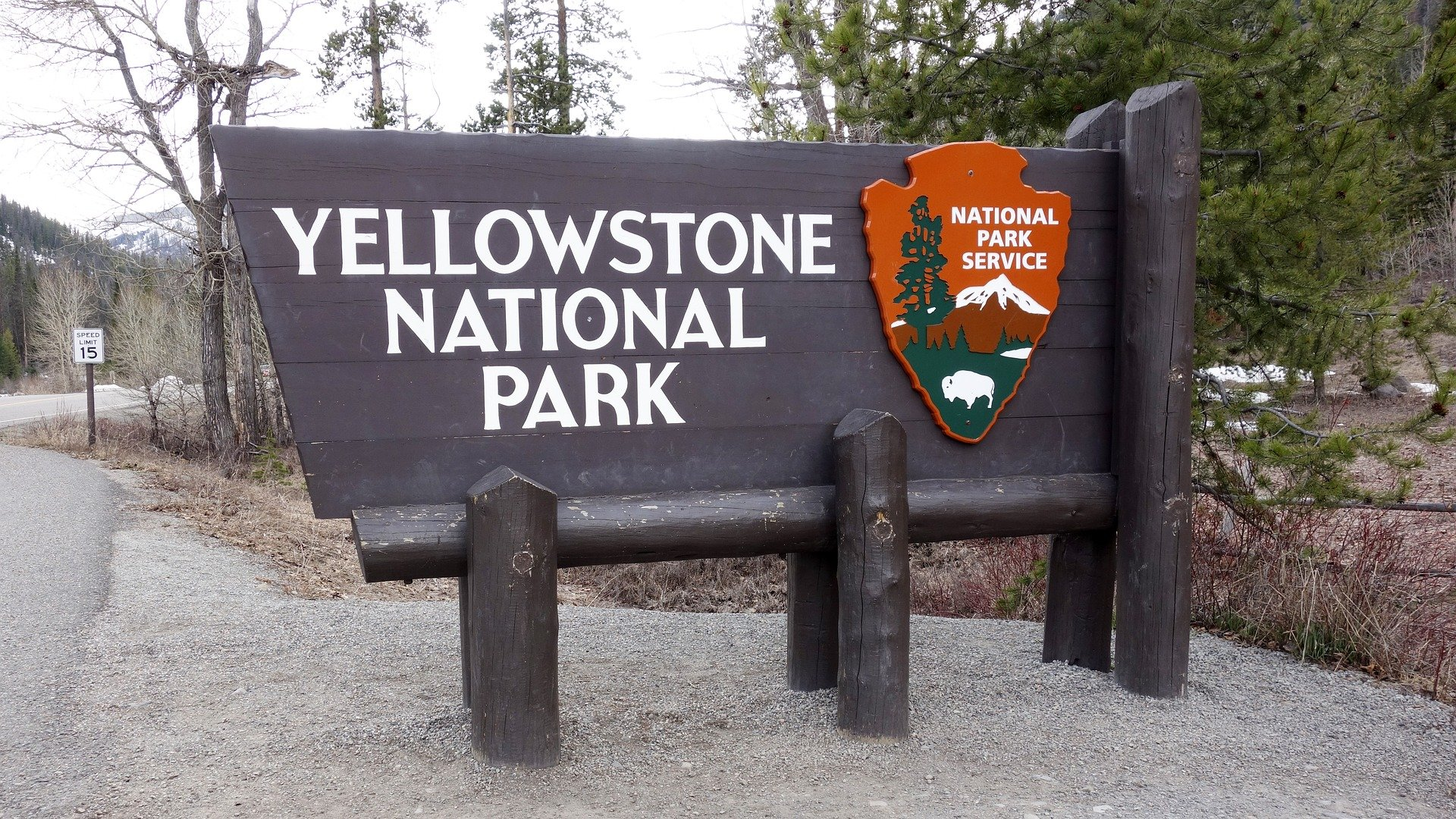 USA-Yellowstone-National-park-sign-1920