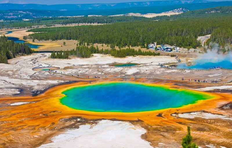 USA_Grand Prismatic Spring in Yellowstone National Park_800x600