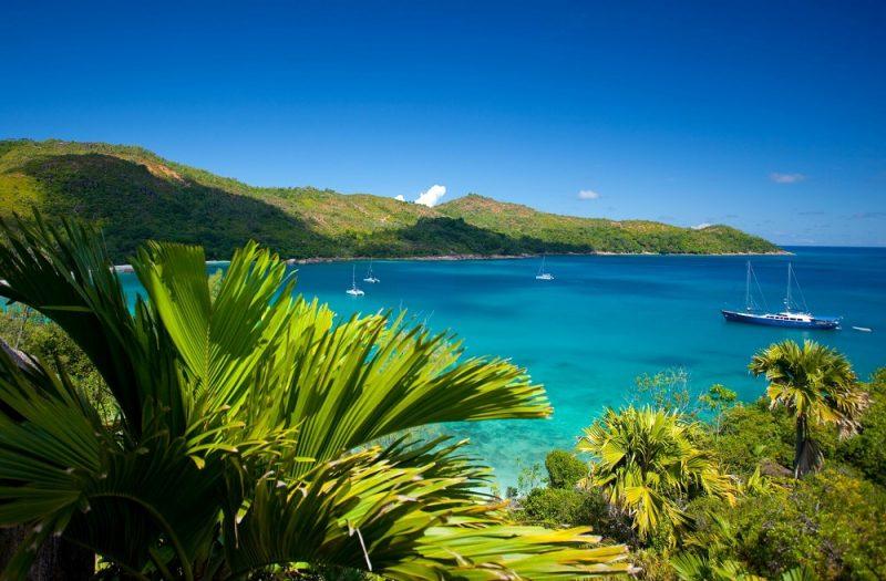 Seychellien Praslinin saarinäkymää