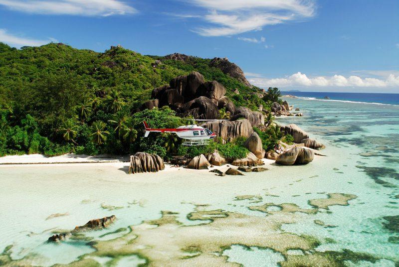 Helikopterilla saarelta saarelle