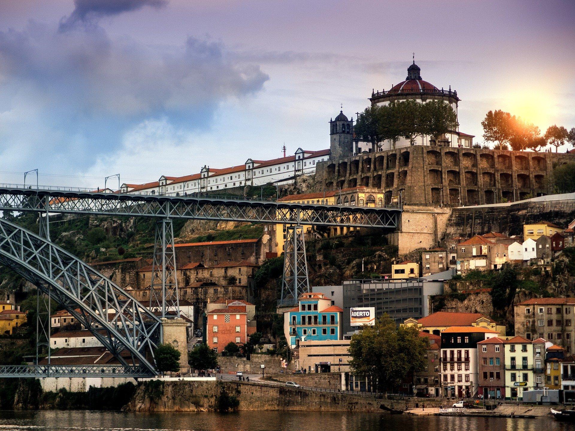 Portugal-Porto-Betuga-1450304_1920