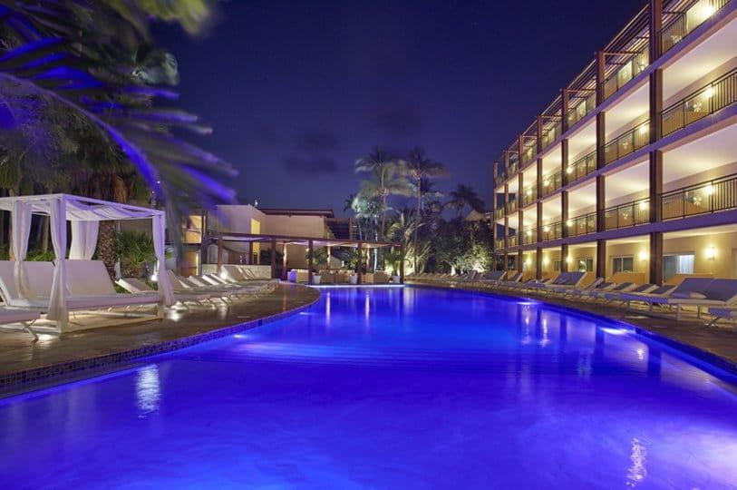 Aruba-Divi-entrance-pool