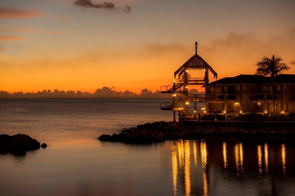 Curacao_sunset_avila_beach_hotel_5c12bae890f1f