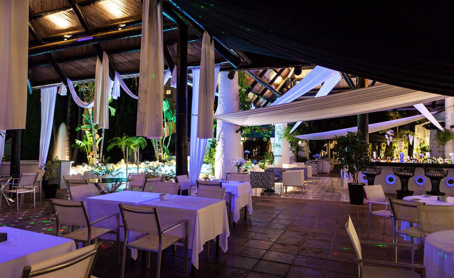 Espanja-Almuneckar-Hotel Suite Albayzin del Mar iltaterassi