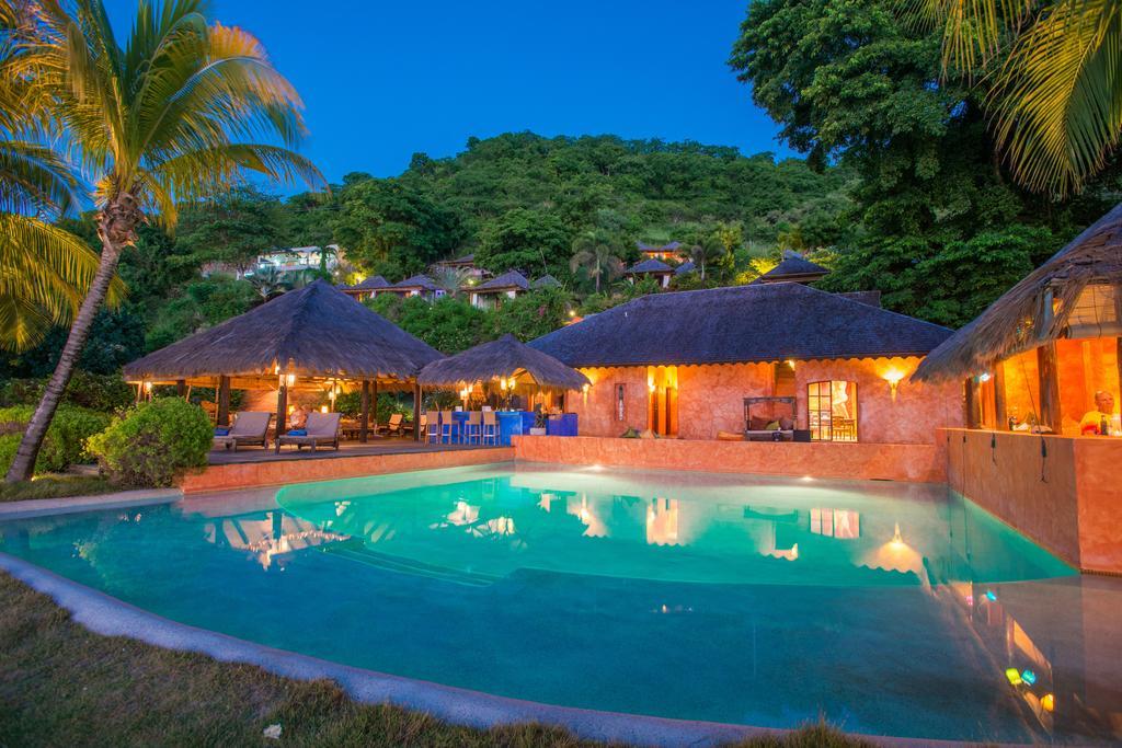 Grenada-laluna-ilta