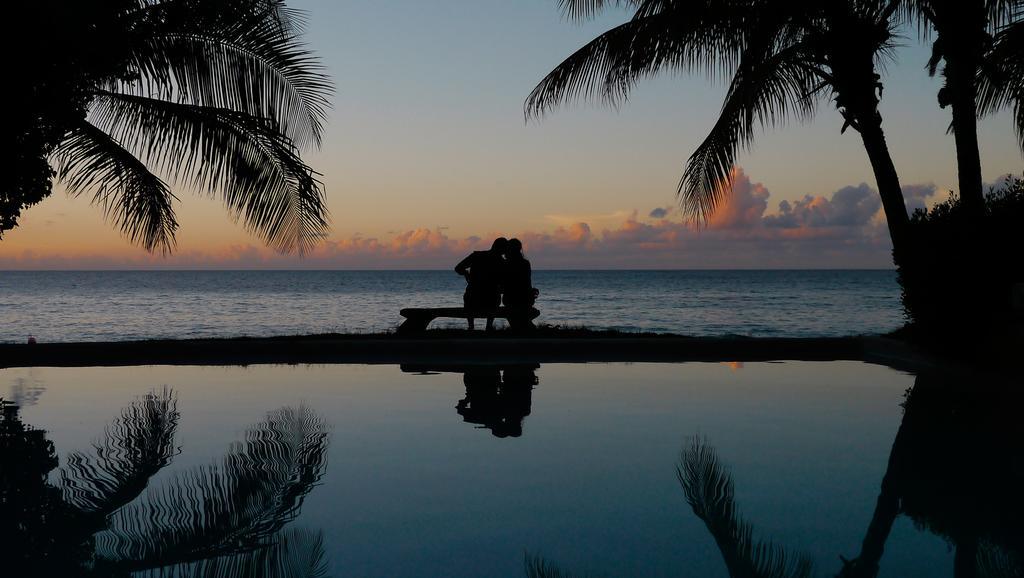 Grenada-laluna-pari