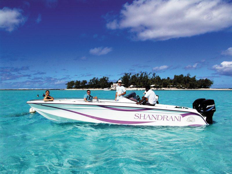 Kymenmatkat_Mauritius_hotel Shandrani_speedboat