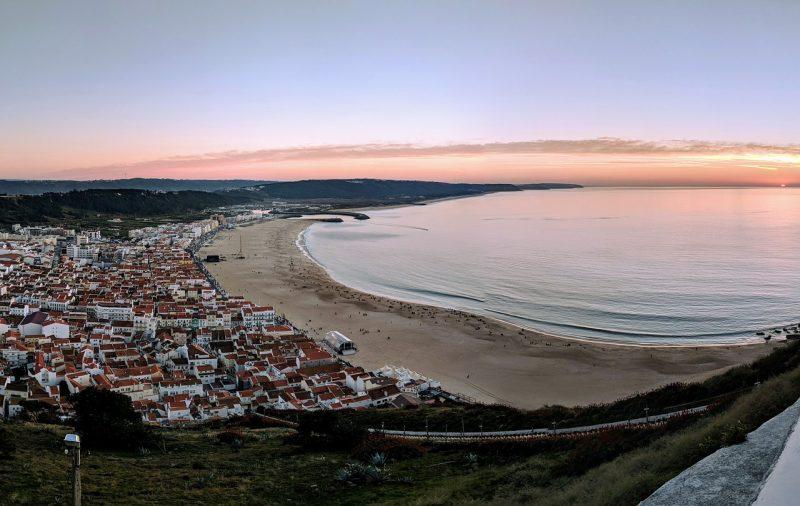 Portugali Nazare pitkät lomat