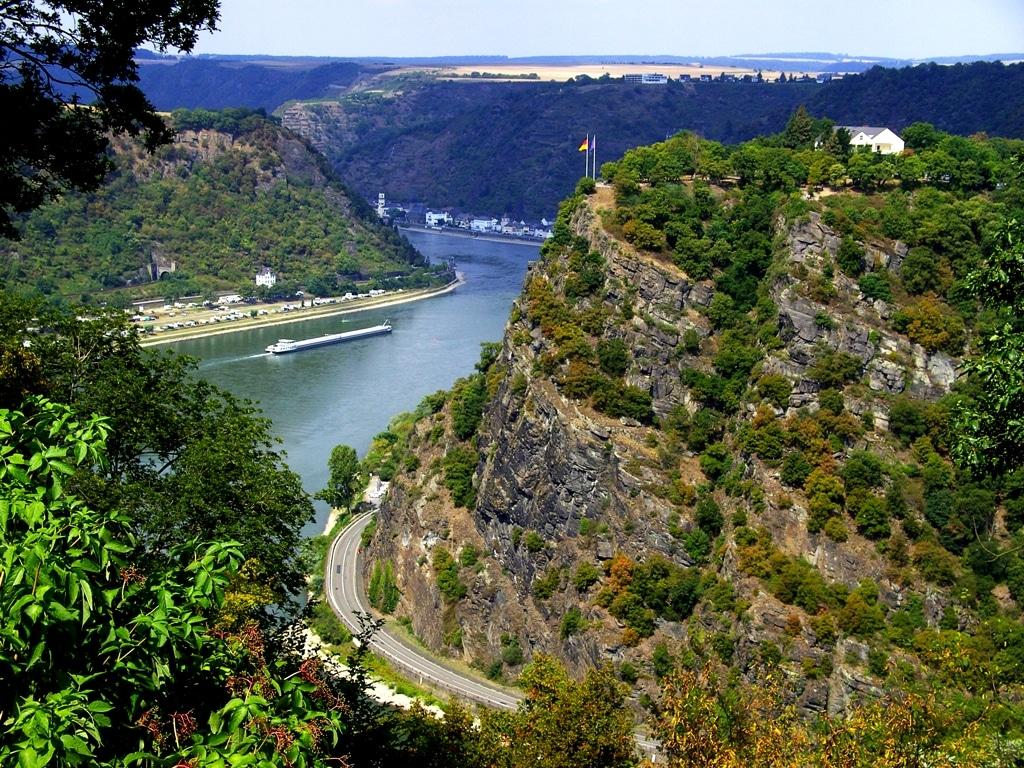 Saksan jokiristeily kolmella joella